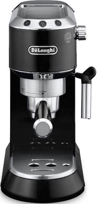 DeLonghi Dedica Zwart EC680.BK  DeLonghi Dedica Zwart EC680.BK: Espressoapparaat van slechts 15 cm breed! Dit espressoapparaat van DeLonghi is zeer compact en heeft een breedte van slechts 15 cm. Maar ondanks het kleine formaat is het een echte alleskunner! Met het stoompijpje maak je met de DeLonghi Dedica EC680.BK namelijk heerlijke cappuccino. Het apparaat werkt zowel met gemalen koffie alsmet ESE Servings en heeft professionele filterhouders voor de perfecte cremalaag. Binnen 35…