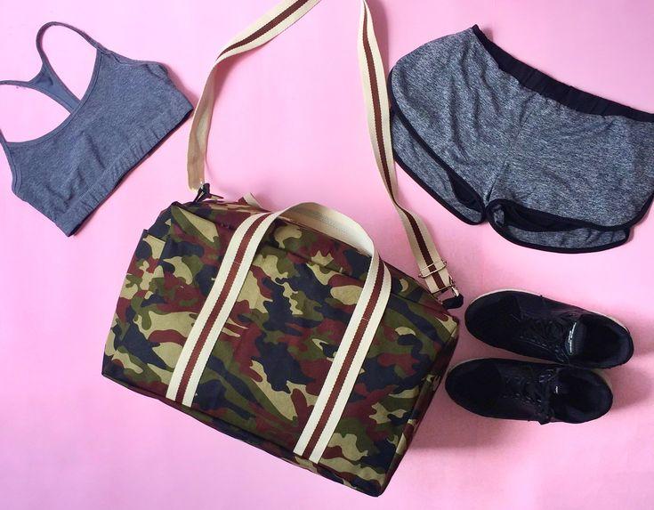 VOLVIMOS 💪🏻👊🏻 esta vez con nueva colección y diseños nuevos y únicos para ustedes!!   Maletín para el gym 🏋🏼♀️ pedido especial!!   . . . #girl #girls #love #TagsForLikes #me#cute#picoftheday #beautiful #cute#photooftheday#instagood #pretty #follow#followme#lady #fashion #fashiondesing#igers #style #beauty#fashion #colombia#cali #bogota#medellin #bags#gym#gymtime#gymgirl#deportivo