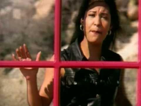 Selena Quintanilla es de Lake Jackson, Texas, United States. Ella tiene 23 años. Me  gusta su canción hace calor.  El su canción - Amor Prohibido