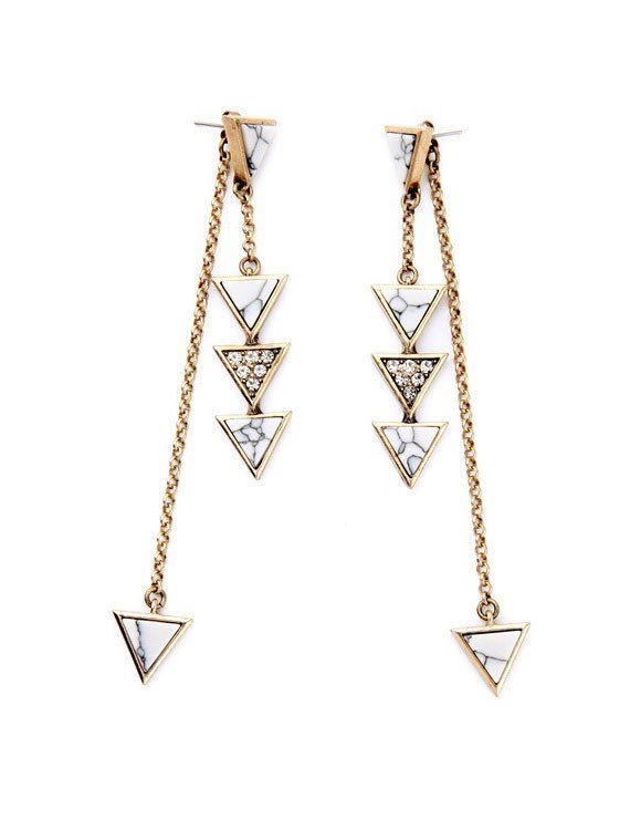 A pair of statement earrings like this are perfect for the workplace because they make a statement without bring too much unwanted attention. Try pairing them with a pair of silver sunglasses from our website! If you use the code 'Minnie20', you will get 20% off your purchase! Act fast before someone else gets these stylish earrings.