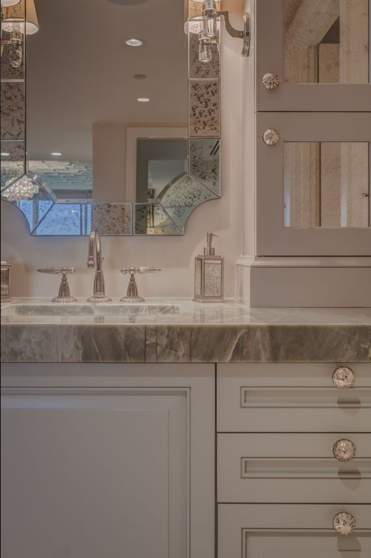 Contemporary condo bath modern bathroom chicago by jill jordan - Focusing On The Details Of This Exquisite Natural Stone Bathroom Vanity Top From Umi Stone