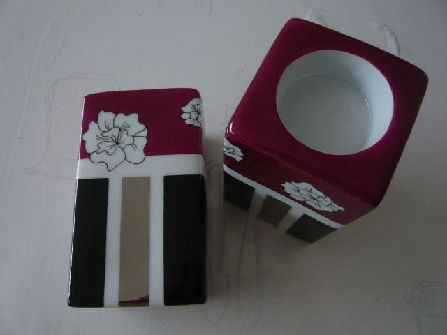 Paire de bougeoirs carrés hauts en porcelaine, modernes... : Accessoires de…