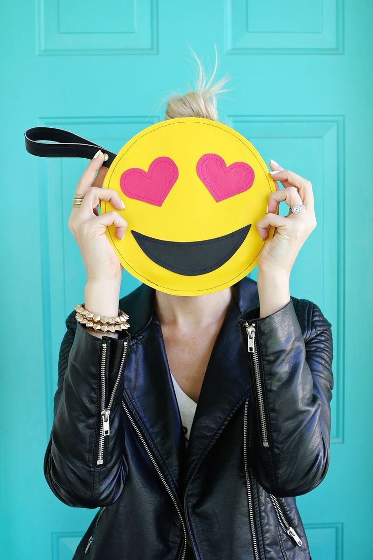 DIY Emoji Clutch