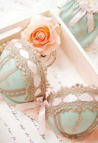 Lace, mint and blush! What more could a girl ask for!!!