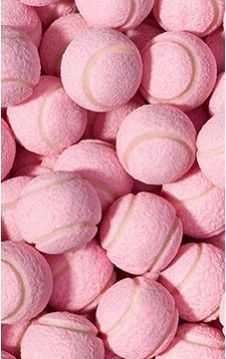 Balles de tennis roses via #yrstore #liveinprint #pink