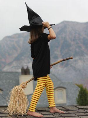 Fabriquez ce balai de sorcière pour votre costume d'Halloween