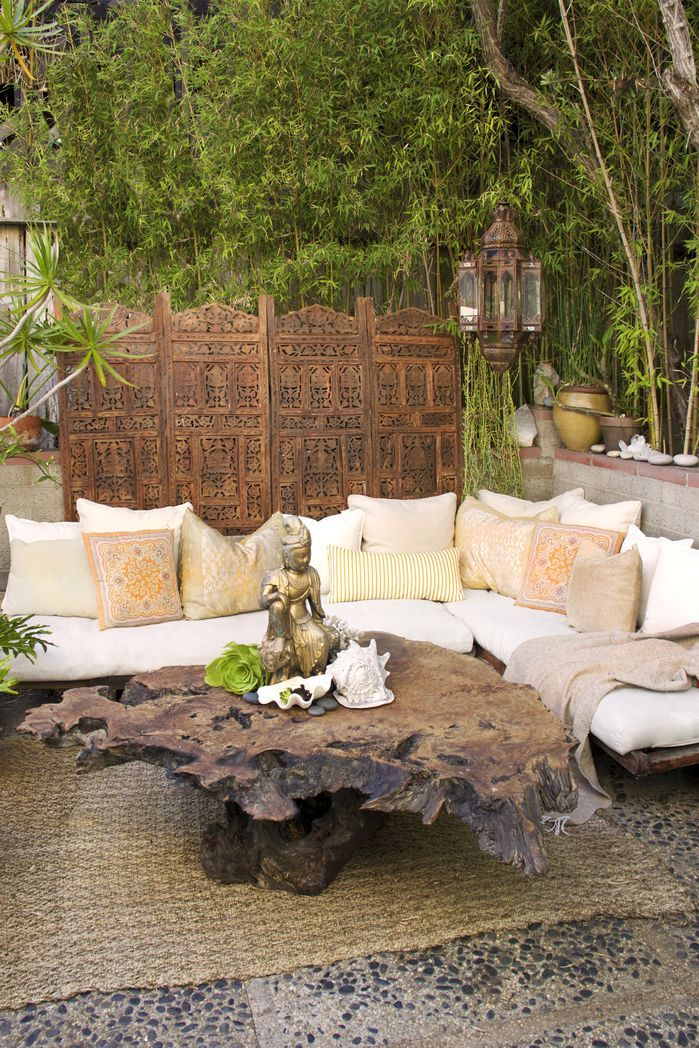 Indonesian inspiration. You'll love to relax in this outdoor area.