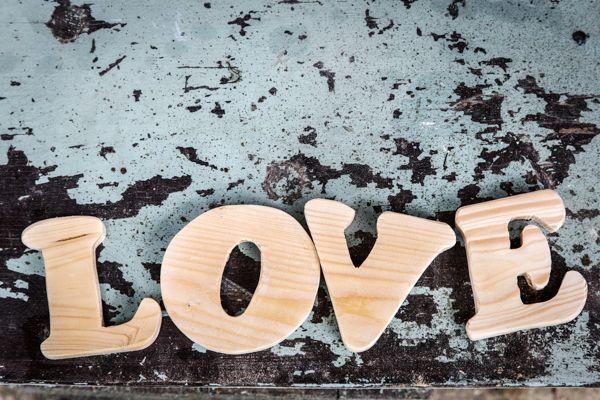 Буквы вырезанные из дерева