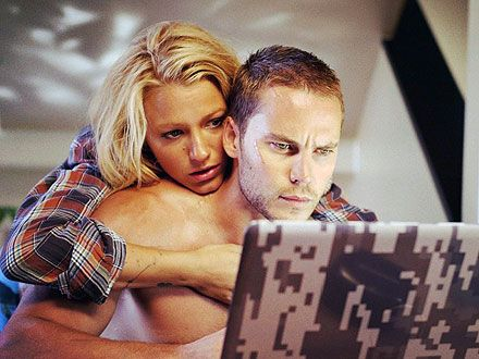 Blake Lively and Taylor Kitsch in Savages. Wanna see it!!!