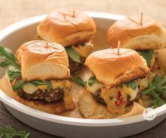 Sweet Pepper Jalapeno Sliders Recipe │Mini-burger sliders topped with ooey-gooey cheese and a sweet pepper jalapeno jam.