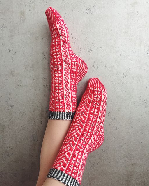 Ravelry: Project Gallery for Touch of Summer pattern by Tiina Kuu