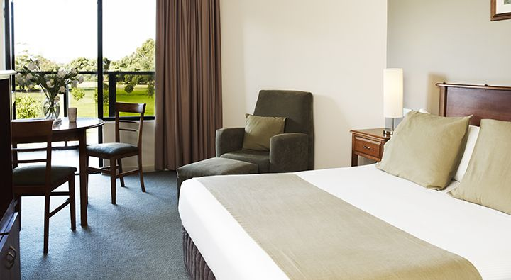 A Standard Queen Room at Rydges South Park Adelaide.