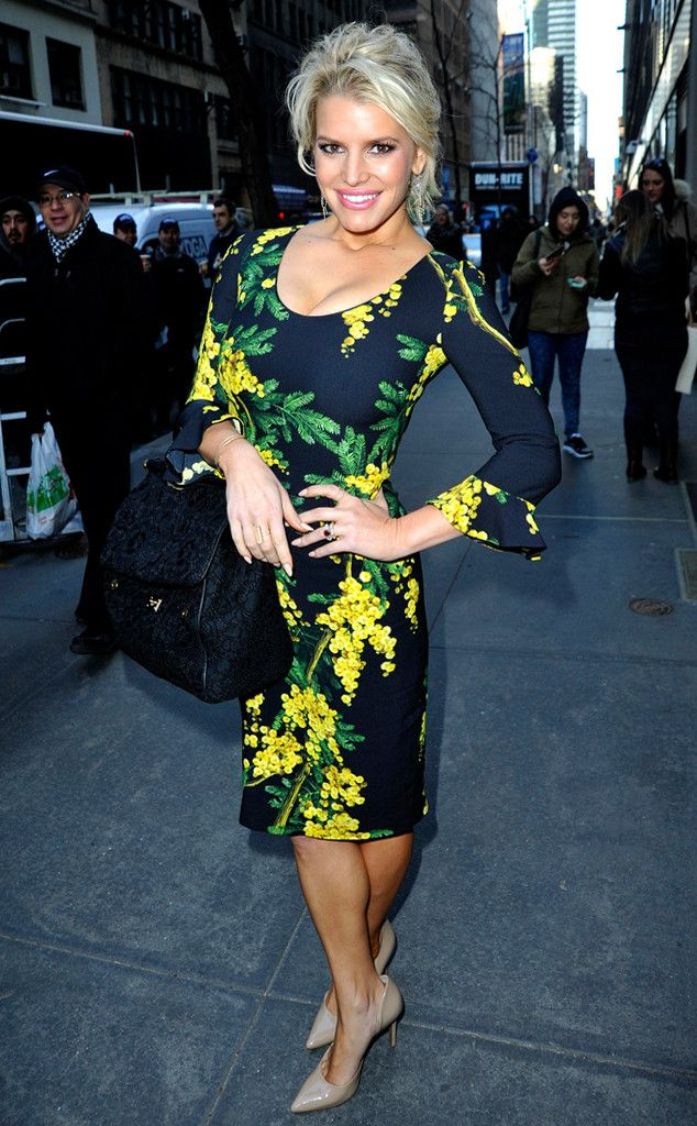 Real talk: how AMAZING does Jessica Simpson look?!