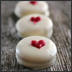 White Chocolate Covered Ritz Crackers. #valentine #recipe
