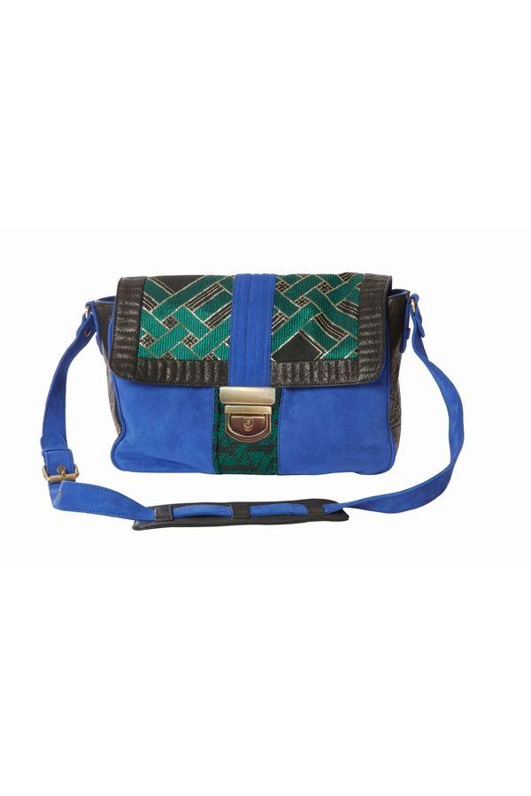 SAC CHARLIE BLEUS http://www.heimstone.com/fr/product/accessoires/sacs+%25252F+maroquinerie/h1325v2cu,v2cu+bleus,sac-charlie.html