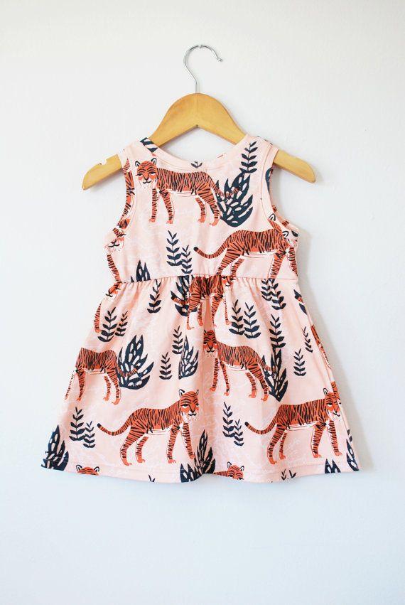 Safari-Kleid Bio Baumwolle Baby/Kleinkind Kleid von LolaandStella
