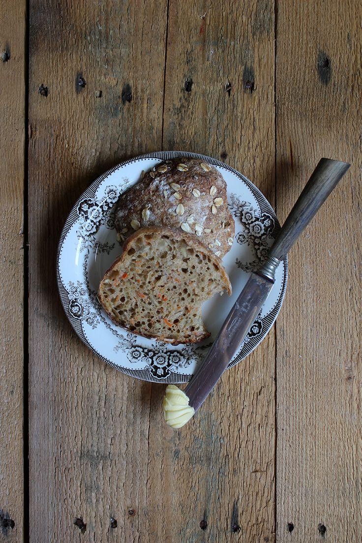 Gevaldigt gode gulerodsboller // sour dough bread rolls with carrots