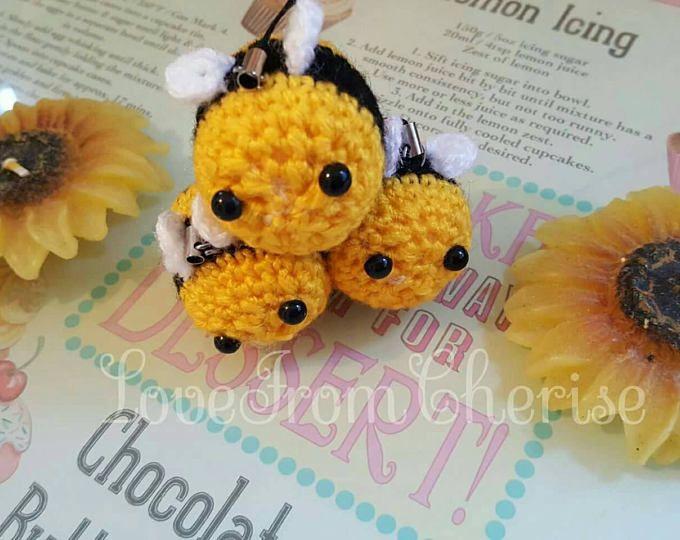 Crochet Kawaii amigurumi Bumble Bee key chain bag charm phone charm
