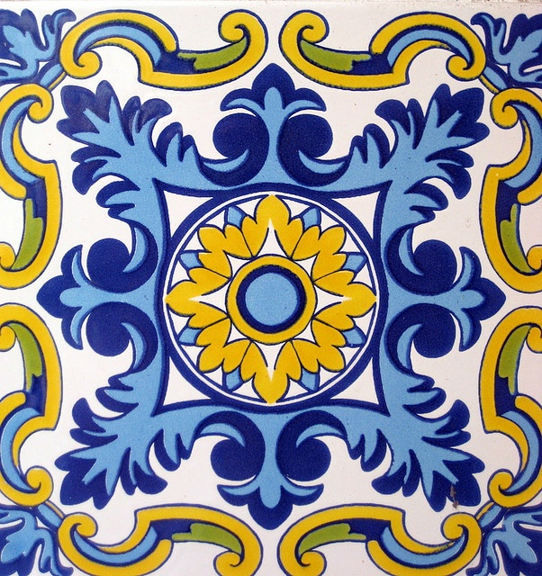 LUV THIS!! Blue and gold Spanish tile