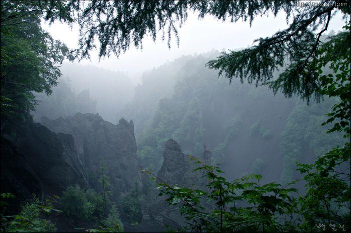 Deep Valley of the Baekdoo San Mountain by Bang, Chulrin /Architect Group CAAN