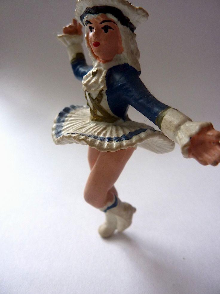 Wanneer ik een dikke dochter heb mag deze niet bij de dansmariekes