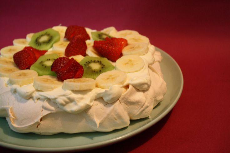 Traditional AUSTRALIAN PAVLOVA RECIPE - Australian Food | MsDessertJunkie, ,