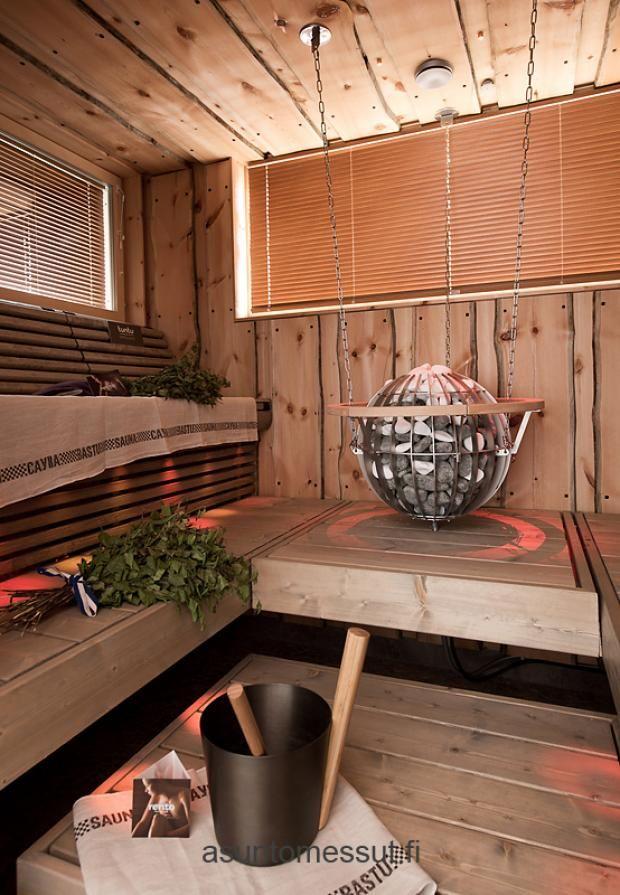 Harvian Globe kiuas voidaan kiinnittää seinään, kattoon tai jalustalle.