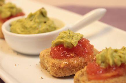Συνταγές finger food / Κριθαροκούλουρα με Γουακαμόλε / thefoodproject.gr