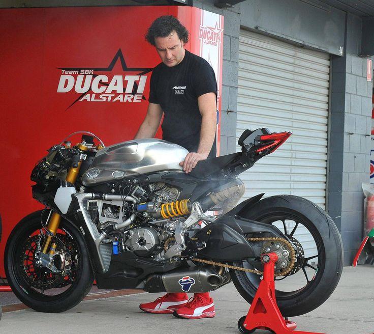Me likey! Ducati Panigale RS13 (via Blog Moto)