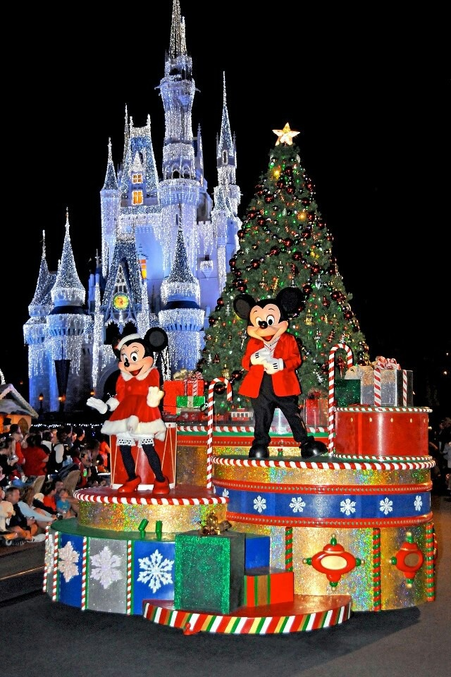 175 best disney christmas images on pinterest disney christmas mickeys very merry christmas party is a special night of holiday entertainment in the magic kingdom that includes castle dream ligh voltagebd Images