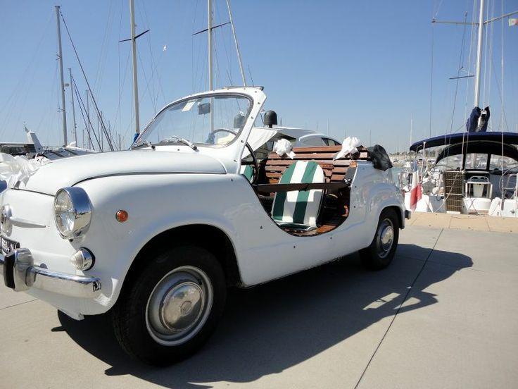 Rome Tour Vintage Fiat car - Vintage Fiat 600 Capri #Rome #Vintage #Tour #ItalyXP #WeLoveItalyXP #Travel