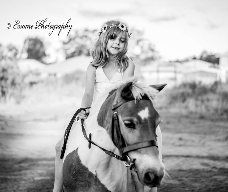 Eesome Photography horse, girl, child
