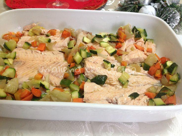 tranci di trota salmonata e  verdure al forno