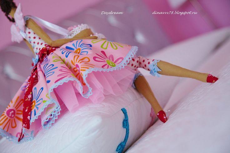 Эта мадамочка идёт в гости сегодня на день рождения, там и останется у новой мамы)))) Хотела устроить ей фотосессию с праздничными причин...