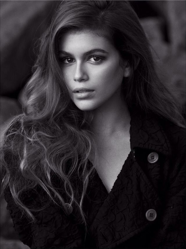 Kaia Gerber she looks just like her mom!!! Cindy Crawford is crazy!