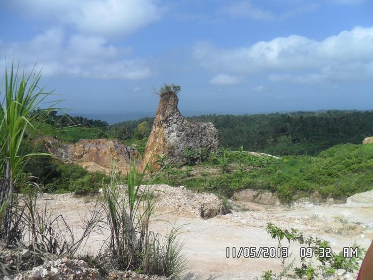 Phyrropyllite Source, Desa Argotirto, Kecamatan Sumbermanjing, Malang, East Java, Indonesia
