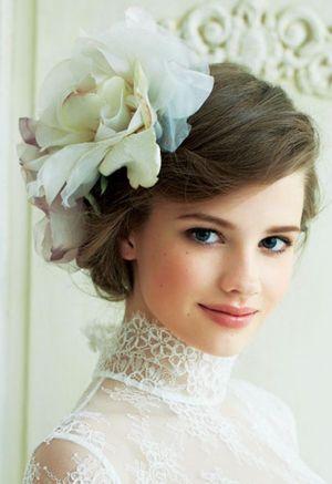 【ウェディング】白ドレスに合うおしゃれなヘアスタイルまとめ♡【結婚式・髪型】 - NAVER まとめ
