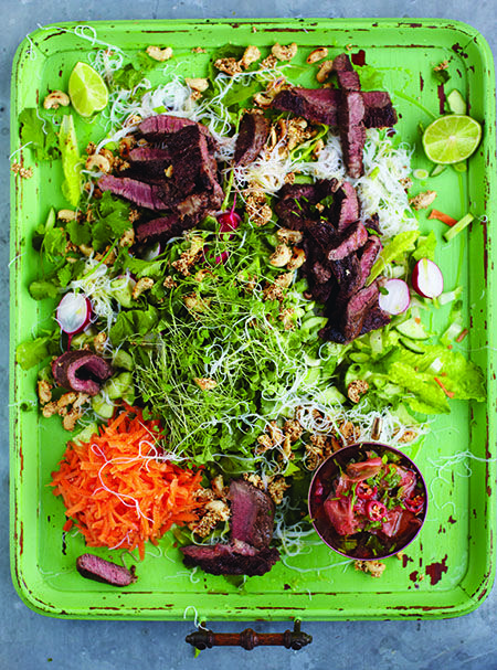 Seared Asian Beef, Best Noodle Salad & Ginger Dressing: Jamie's 15 Minute Meals | Penguin Books Australia