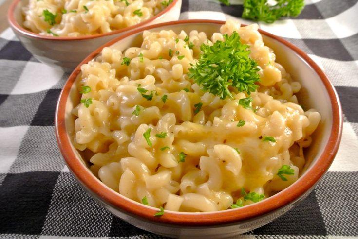 Een supersnelle mac and cheese, ideaal als snelle hap wanneer je even wat minder tijd hebt. Lekker met een frisse en gezonde salade erbij.