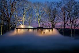 Resultado de imagem para glass house philip johnson