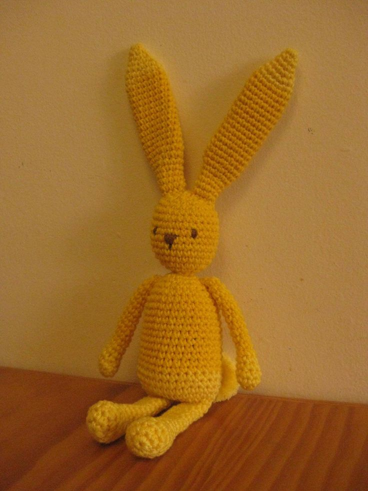 handmade bunny (crochet)  https://www.facebook.com/Biscoitos.handmade/photos/pb.1648132372140699.-2207520000.1459369196./1691431674477435/?type=3&theater