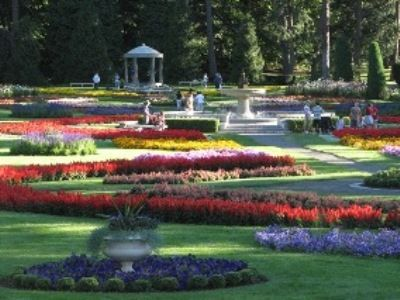 Manito Park in Spokane, Wa is beautiful, multi-themed garden in   Eastern Washington.  It features a Japanese Garden, massive annual displays, Rose, Perennial and Lilac Gardens and an old-world glass and iron convervatory. A definite must see.