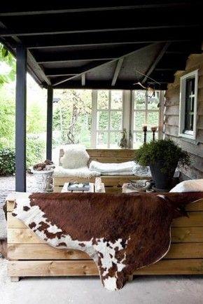 Outdoor living space, ek LOVE dit!: Rustic Porches, Outdoor Porches, Design Interiors, Outdoor Living Spaces, Fall Inspiration, Back Porches, Outdoor Area, Outdoor Spaces, Style File