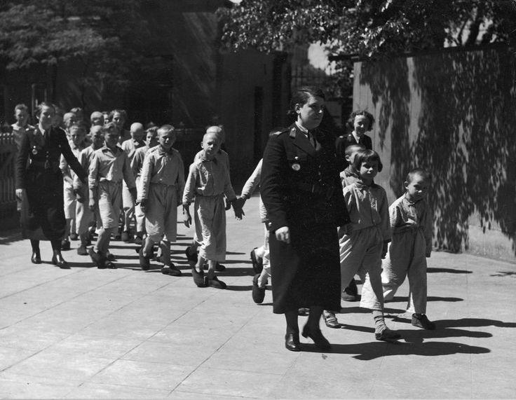 Policja Kobieca II RP – funkcjonariuszki do zadań specjalnych [Galeria] - Portal historyczny Histmag.org - historia dla każdego