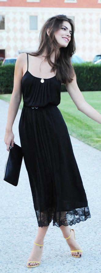 Love it! | Perfect Summer Gown by Maritsanbul (maritsa.co)                INTIMISSIMI FW14 dress / elbise- YENI SEZON  HOTIÇ SS13 shoes / ayakkabılar- İlkbahar/Yaz 2013  Vintage jacket from TABE KIYAMET' ten vintage ceket  MANGO clutch / çanta  H&M sunnies / gözlükler  MANGO chain neckalace-seen as bracelet / zincir kolye- bileklik olarak  NAZRA JEWELS necklace / kolye