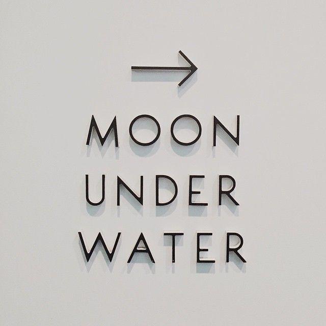 Moon Under Water                                                                                                                                                                                 Más