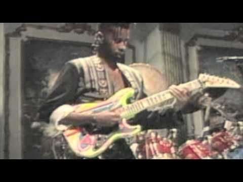 ▶ Living Colour-Cult Of Personality(Live 1989) - YouTube