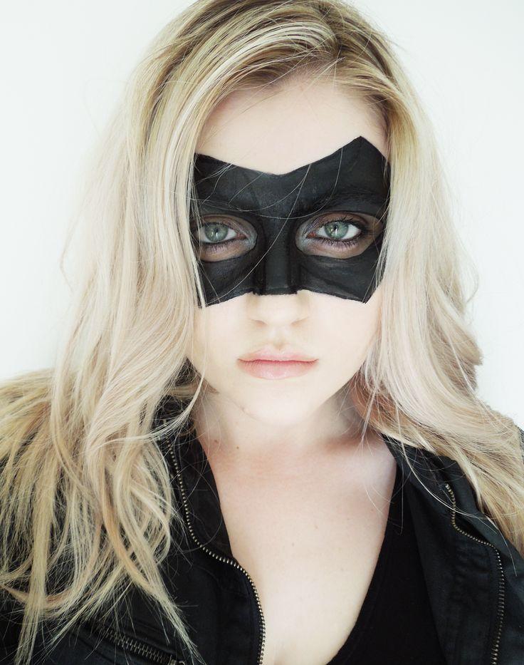Beauty Wanderer: Sara Lance Canary Arrow Cosplay Blog Post. http://beccahillblogs.blogspot.com.au/2014/10/sara-lance-canary-arrow-halloween.html I like that the mask is makeup =]