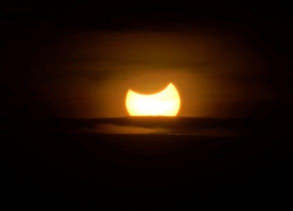 Eclissi solare: le immagini. E ora appuntamento al 2026