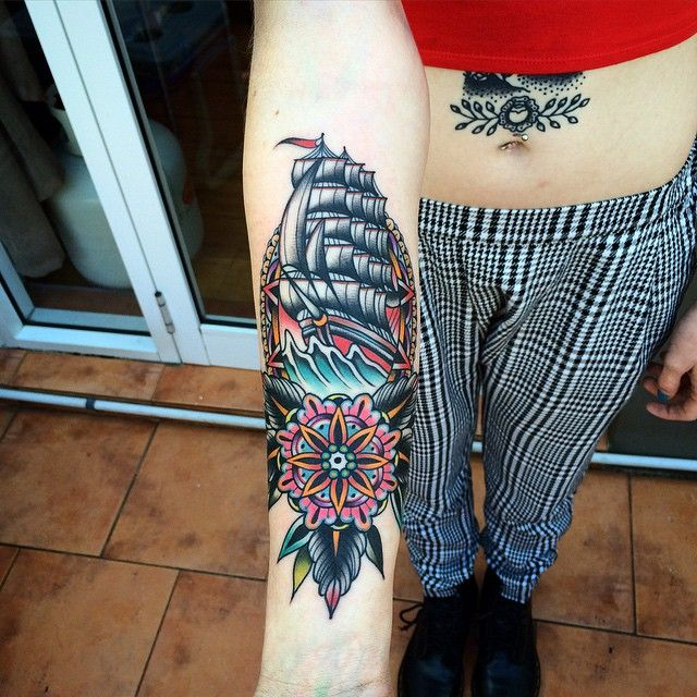 Best 25 Traditional Mandala Tattoo Ideas On Pinterest: 25+ Best Ideas About Mandala Tattoo Design On Pinterest